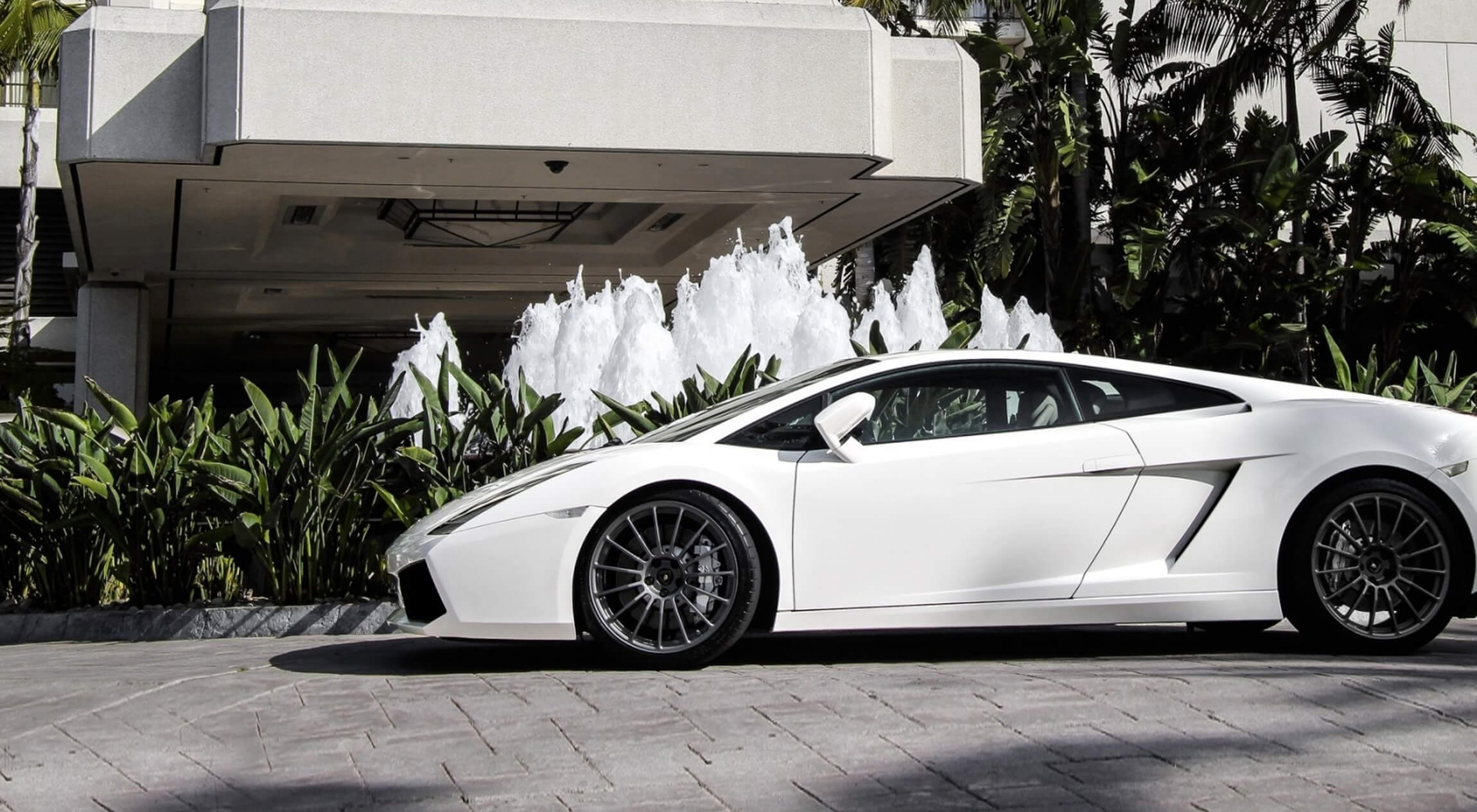 Gallardo 02 Luxury Wedding Cars Sydney